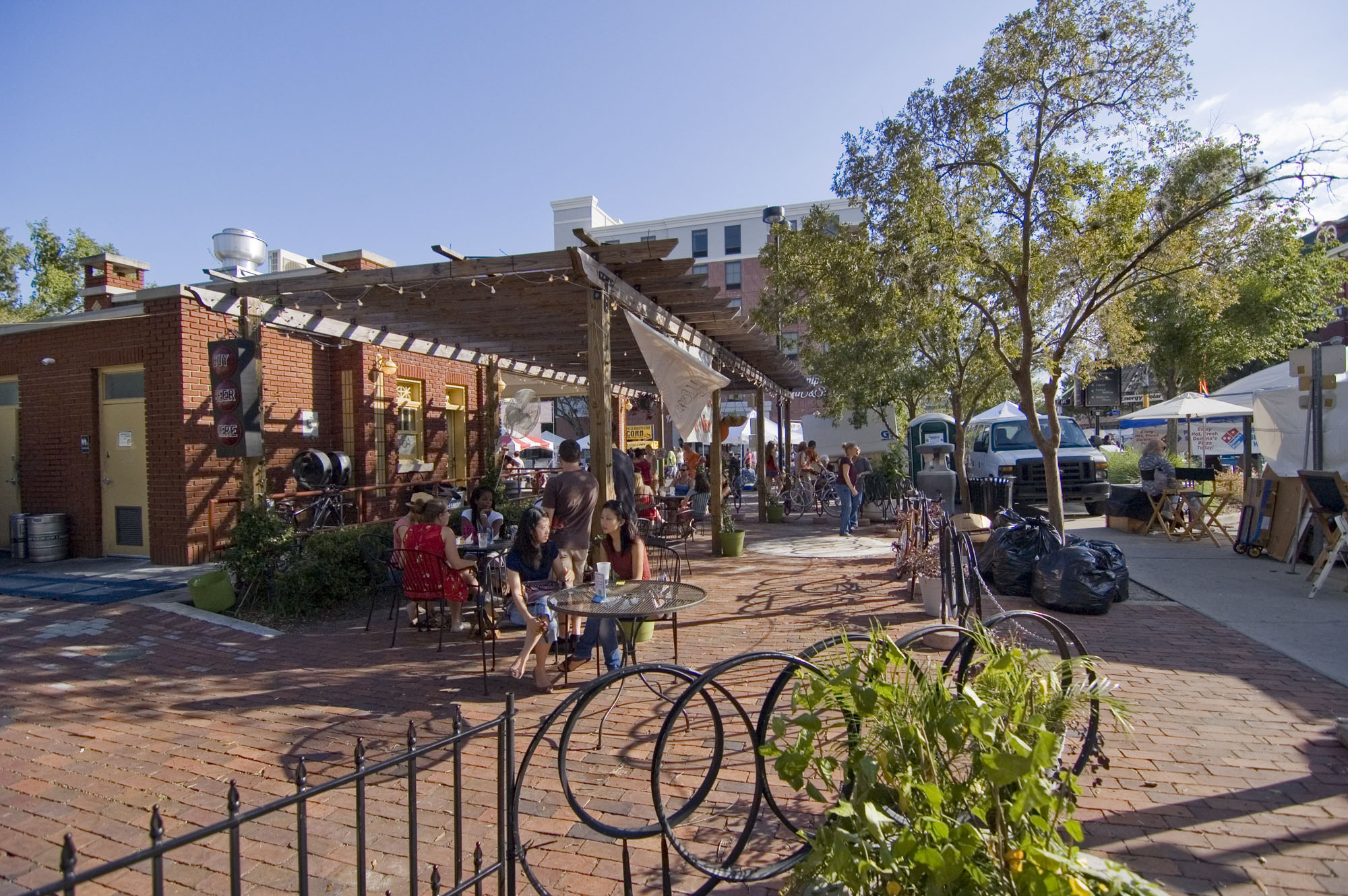 Free Fridays – Live Music in the Plaza Downtown
