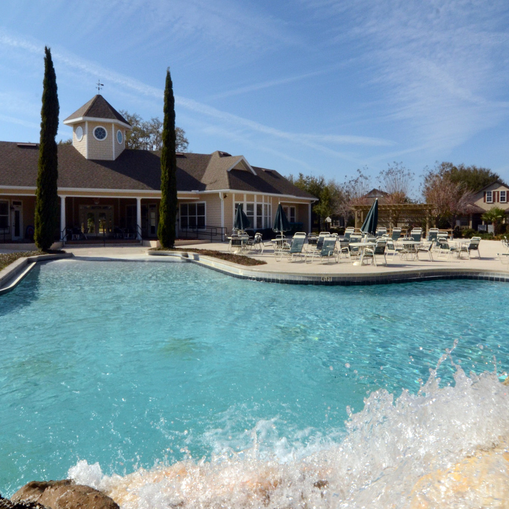 Longleaf-clubhouse-pool